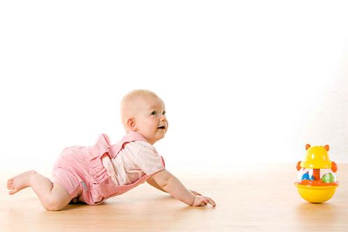 Bé 7 tháng tuổi biết làm những gì?