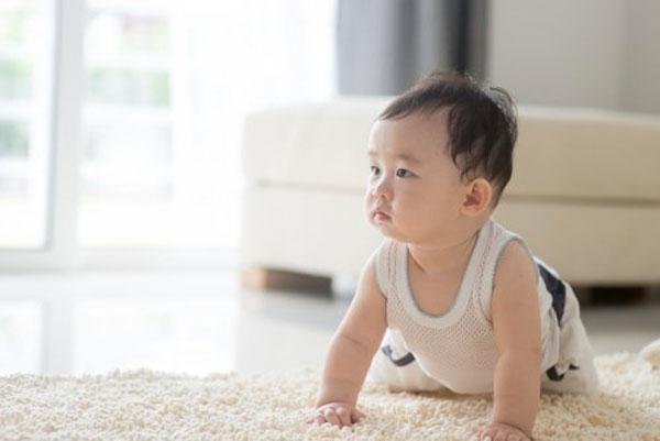 Sự phát triển của bé 9 tháng tuổi