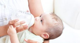 Trẻ sơ sinh uống bao nhiêu sữa mỗi ngày là đủ?